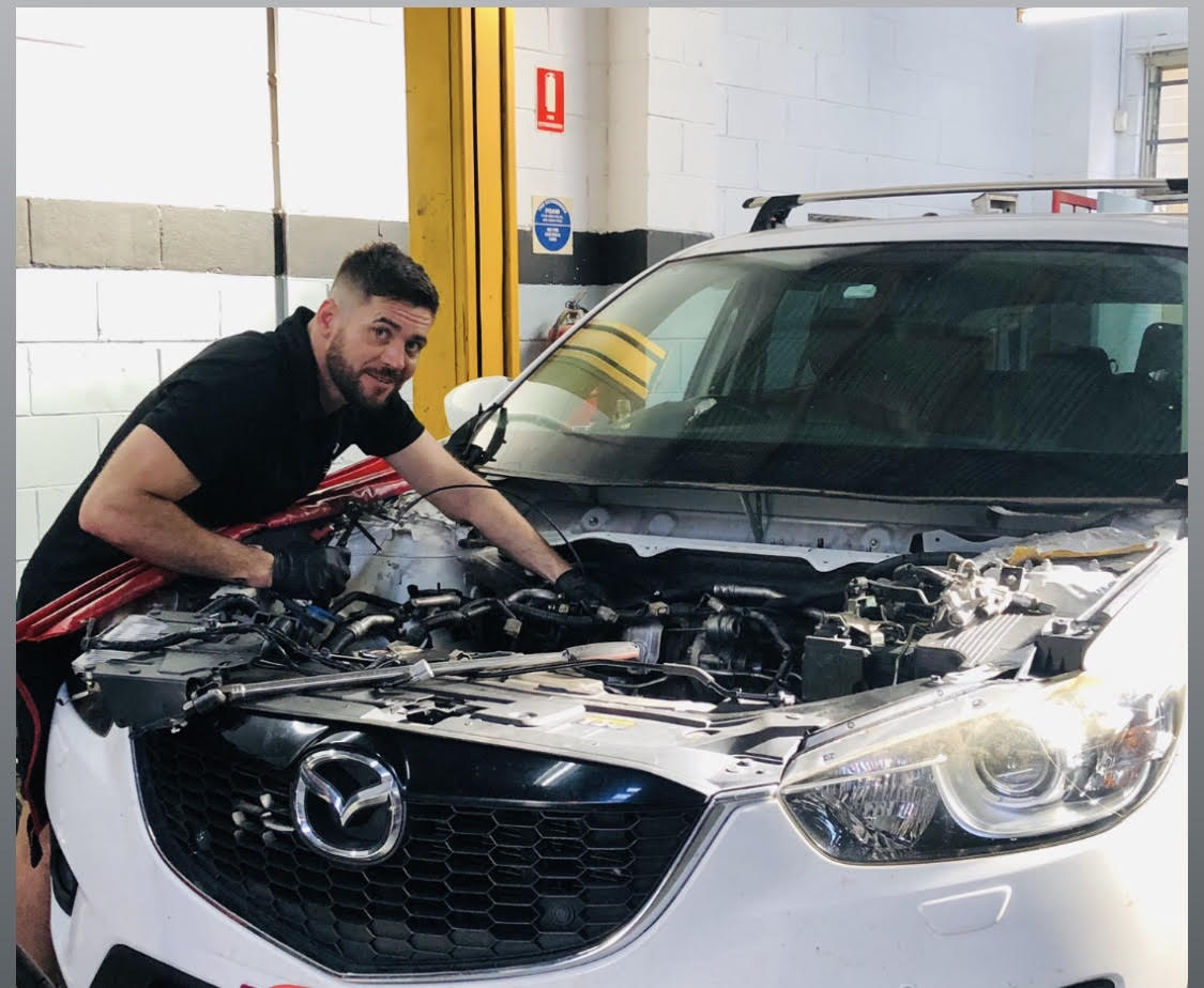 MECHANIC WORKSHOP THAT'S FAMILY OWNED NOT ANOTHER DEALER